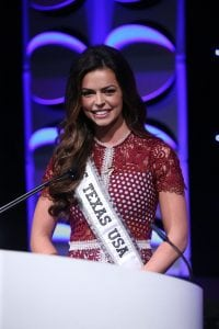 Miss Texas USA, RE/MAX Agent Logan Lester, speaks at the recent RE/MAX of Texas Conference